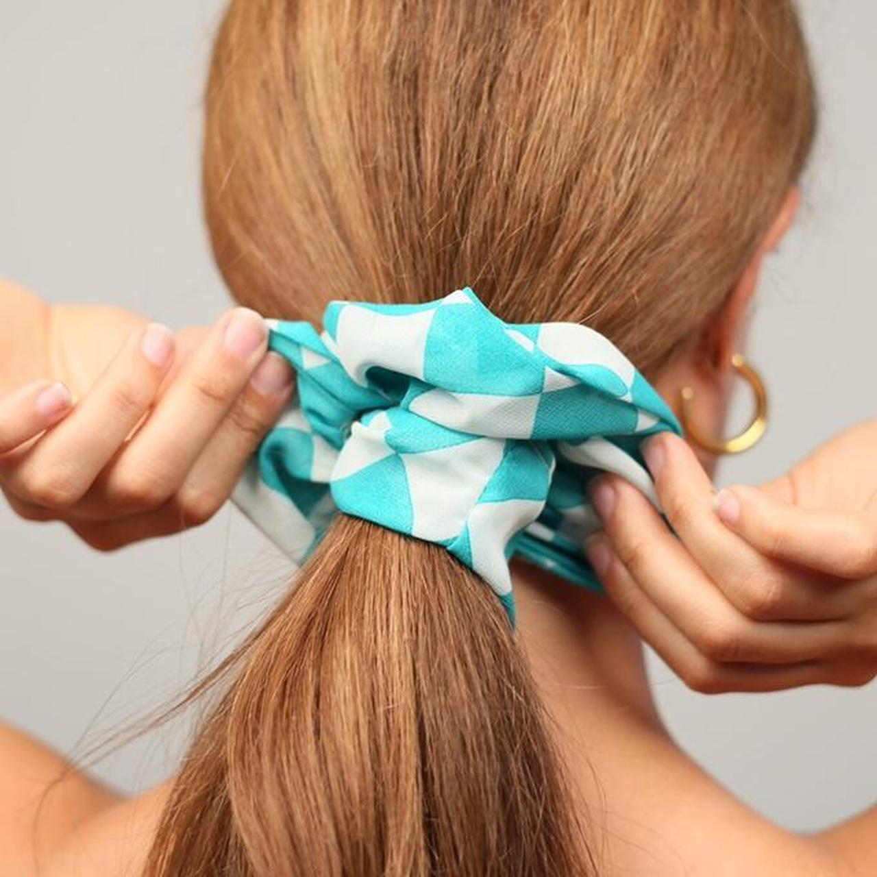 Product Image 1 - Chiffon scrunchie in green/white checkered