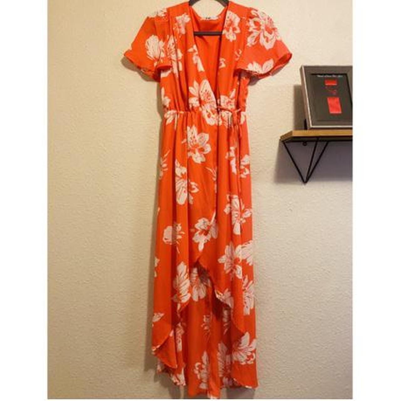 Product Image 1 - Coral and White size small