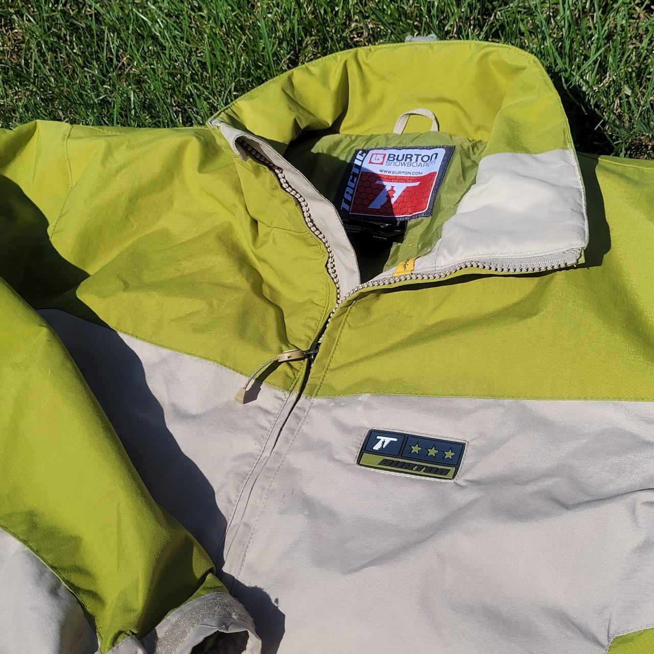 Product Image 1 - Burton Snowboarding Jacket Size Small  Excellent