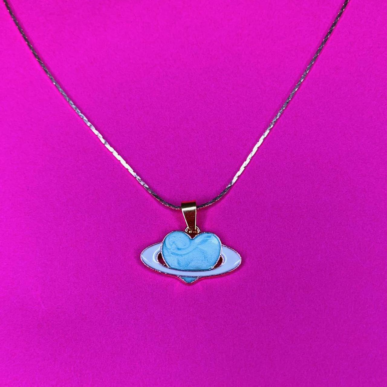 Product Image 1 - SATURN HEART NECKLACE. Gold chain