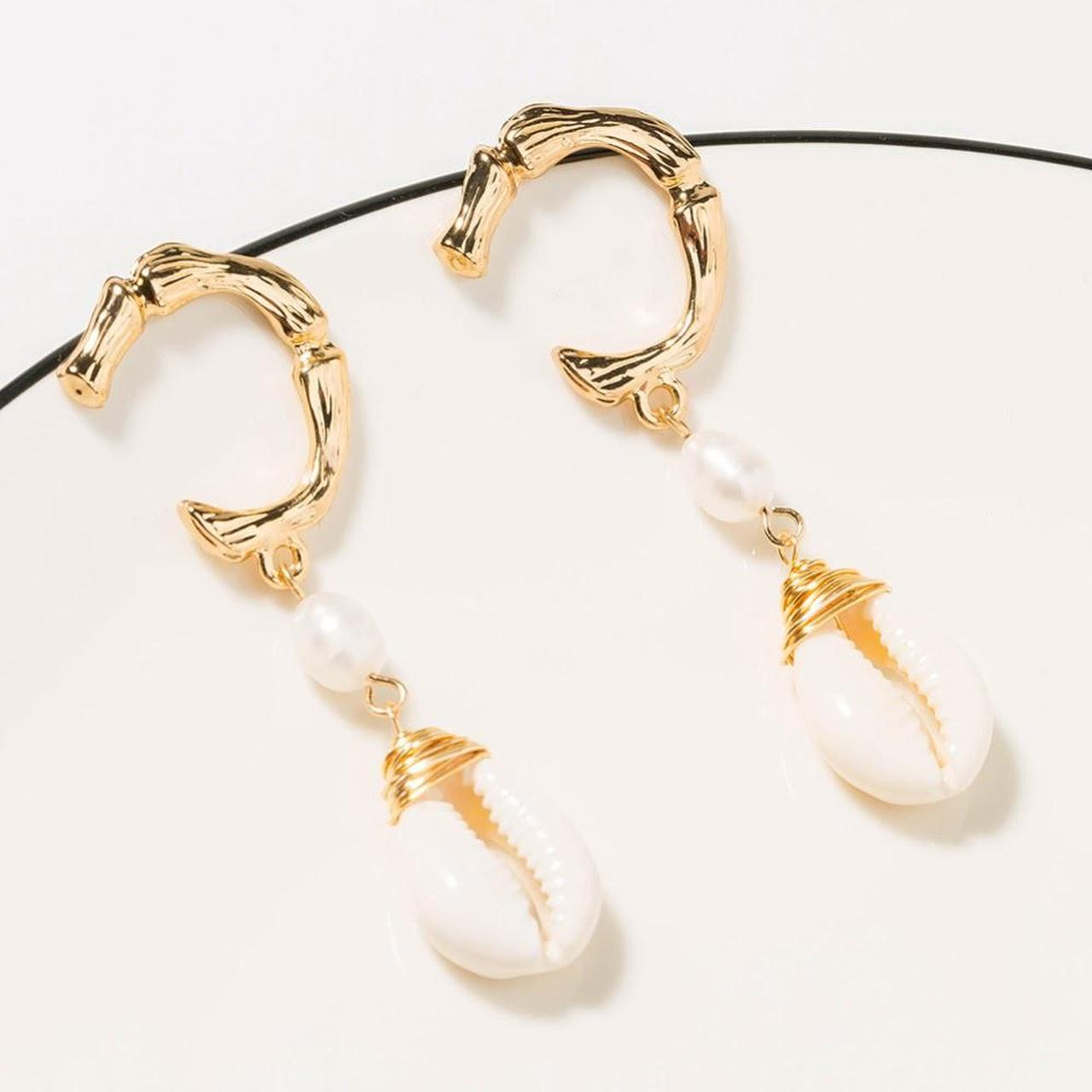 Product Image 1 - fashion accessories. simple natural shells.