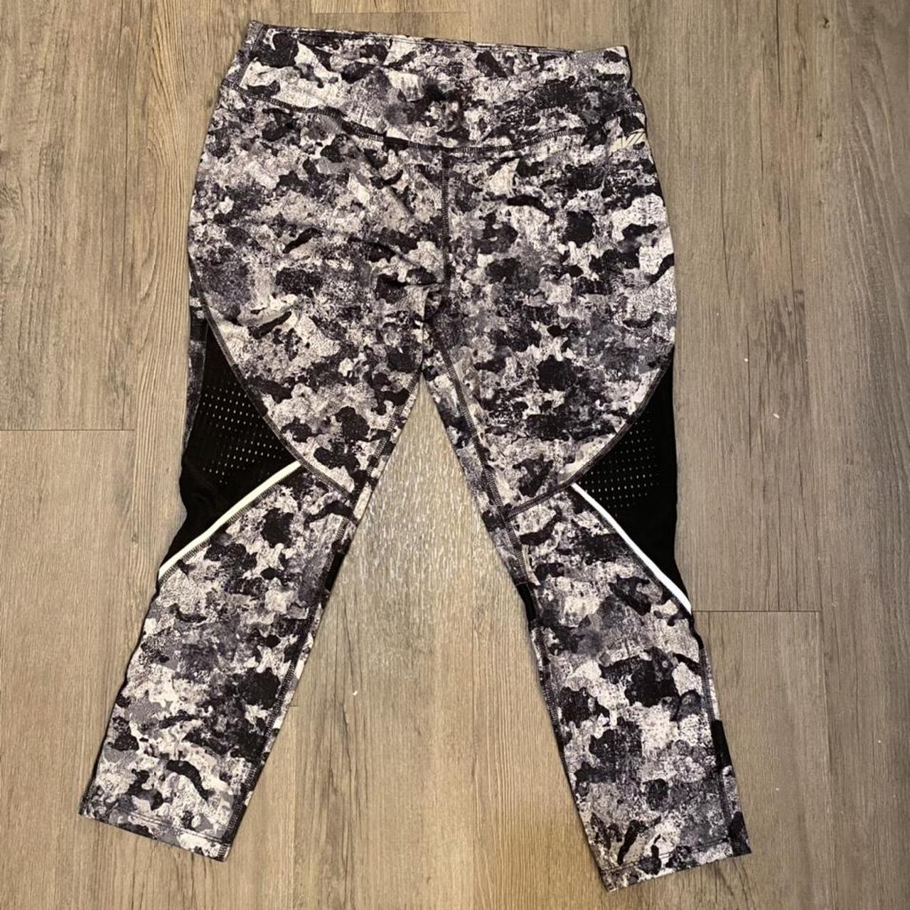 Product Image 1 - Fun printed leggings. They have