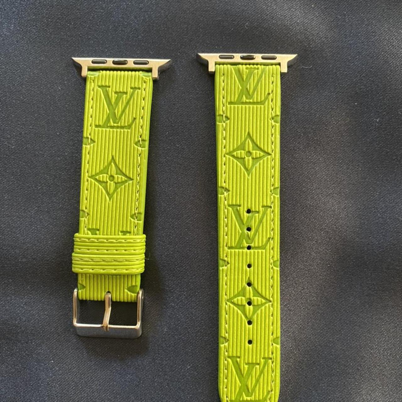 Product Image 1 - Luxury light green Apple Watch