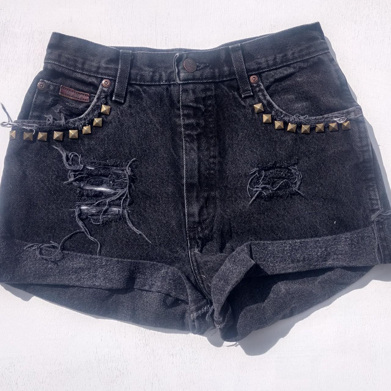 "Product Image 1 - Wrangler distressed denim shorts W26"""